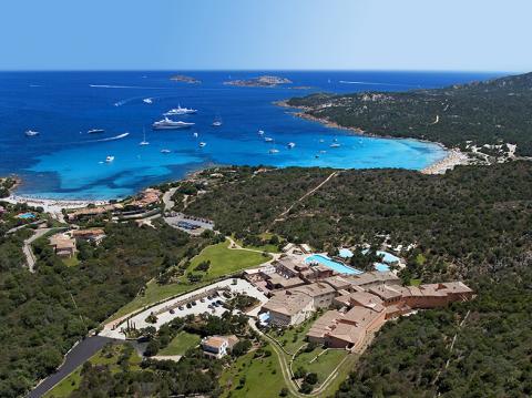 جزيرة سردينيا لؤلؤة إيطالية متألقة في مياه البحر المتوسط