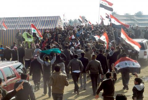 العراقيون يواصلون اعتصامهم في الرمادي