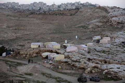 الفلسطينيون يتعهدون بمواصلة معركتهم الشعبية