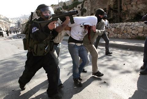 مؤرخون: مجازر الصهاينة وراء هجرة الفلسطينيين