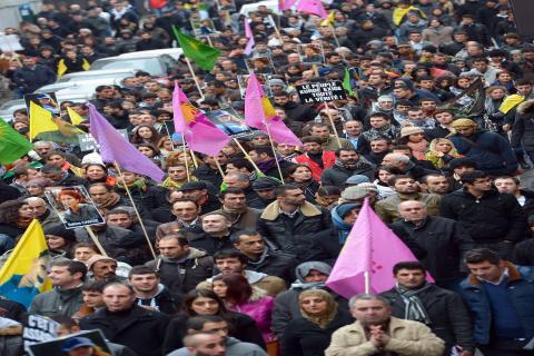 تظاهرة للكردستاني أمام قنصلية فرنسا في كردستان