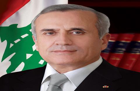 الرئيس اللبناني يتوعد بملاحقة مطلقي الصواريخ