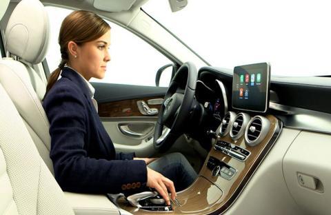واجهات أكثر أماناً ومنفعة للسيارات على طريقة الهواتف الذكية