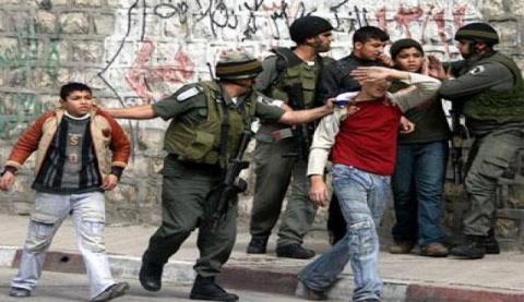 تقرير: اعتقالات شبه يومية للأطفال الفلسطينيين