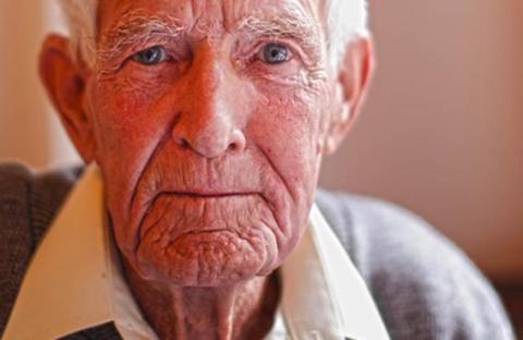 إرشادات لوقاية كبار السن من الجفاف