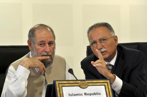أوغلي يدعو للعمل على استعادة الأمة الإسلامية مكانتها بين دول العالم