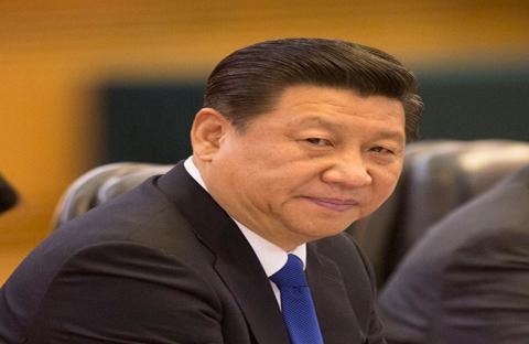 الرئيس الصيني يتحدث مع مواطنيه في الشارع