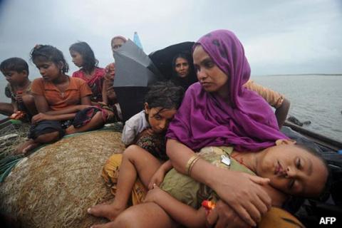 مفوضية اللاجئين تعرب عن قلقها إزاء إطلاق النار على قوارب الفارين الروهينجيا