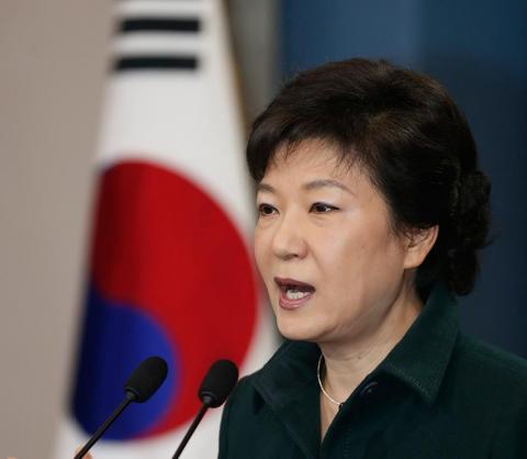 إعادة انتخاب كوريا رئيساً للإكوادور
