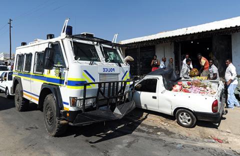 جنوب أفريقيا تفرق تظاهرة ضد الأجانب