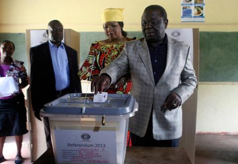 استفتاء في زيمبابوي على وقع العنف