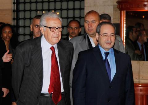 رئيس مجلس الأمن يصف الوضع بالقاتم .. الإبراهيمي: سوريا تنهار أمام الجميع