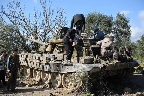 ثوار سوريا يضيقون الخناق على جسر الشغور
