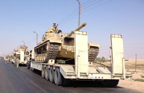 شهود عيان يتحدثون عن تحول شرق سيناء لساحة حرب