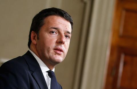 الرئيس الإيطالي يطلب من رينزي تشكيل حكومة