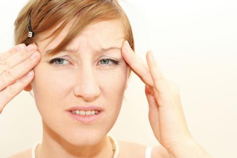 الصداع المتكرر يدمر خلايا المخ