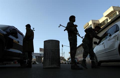 مقتل ضابط يمني واشتباه بتورط القاعدة