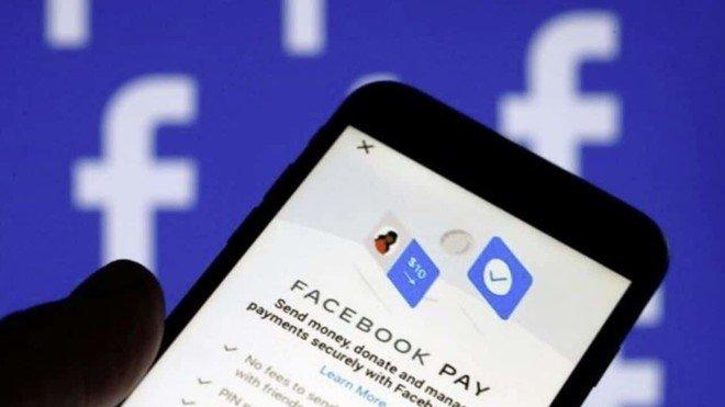 فيسبوك يتيح دفع الأموال عبر واتساب