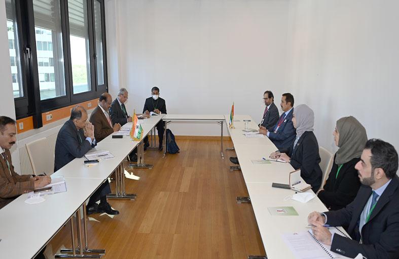 صقر غباش يبحث مع رئيس مجلس الشعب الهندي سبل تعزيز علاقات التعاون البرلمانية