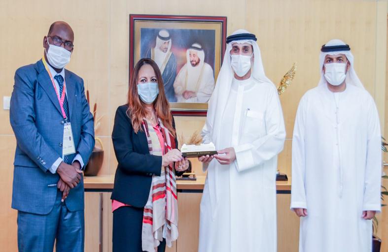 إكسبو الشارقة يبحث مع المركز الإسلامي لتنمية التجارة تطوير العمل المشترك في مجالات المعارض والمؤتمرات الاقتصادية