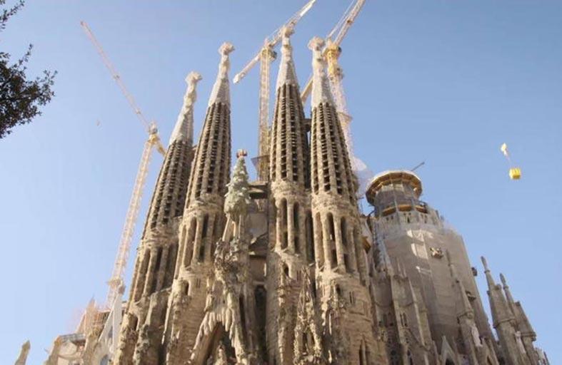 بعد 137 عاما.. برشلونة تستكمل بناء كنيسة