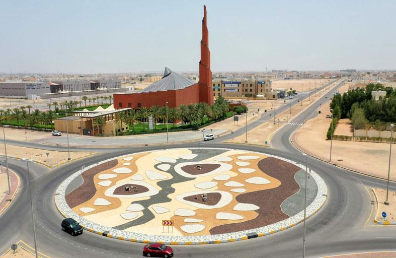 بلدية مدينة أبوظبي تطور الدوار المقابل لمسجد الشيخة فاطمة بنت مبارك بمدينة محمد بن زايد