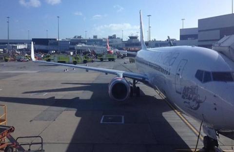 تصادم بين طائرتي ركاب