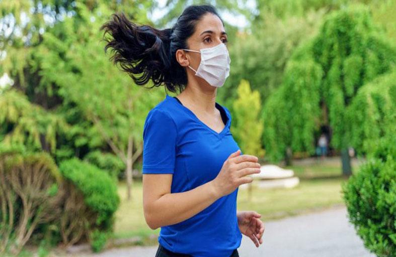 دراسة تحسم جدل ارتداء الكمامة أثناء ممارسة الرياضة