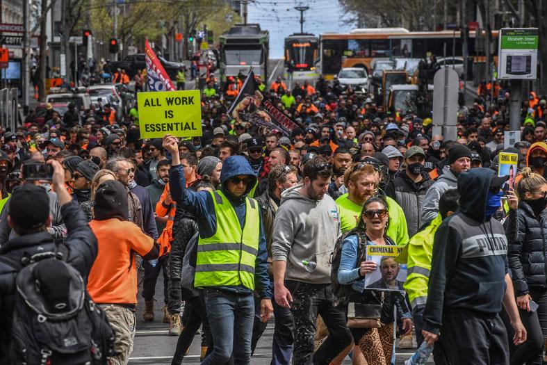 احتجاجات في ملبورن بسبب إغلاقات كورونا
