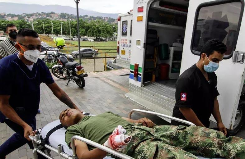 هجوم بسيارة مفخخة بقاعدة عسكرية في كولومبيا