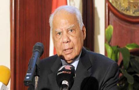 الحكومة المصرية تقدم استقالتها وتنتقد الإضرابات الفئوية