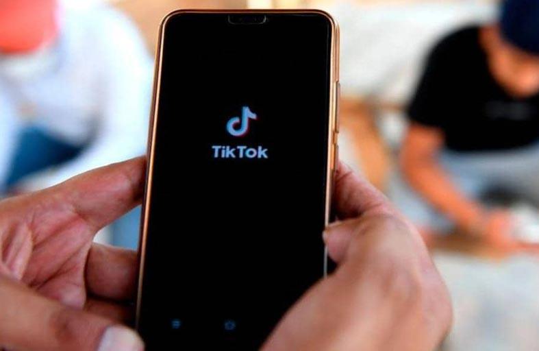 الشركة المالكة لـ «تيك توك» تتهم فيسبوك بالسرقة