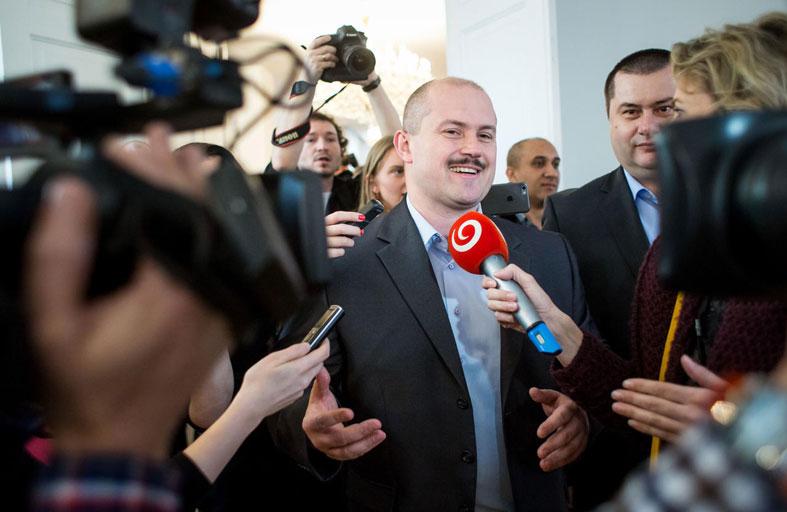 سلوفاكيا: انتخابات بين الشعبويين والنازيين الجدد...!