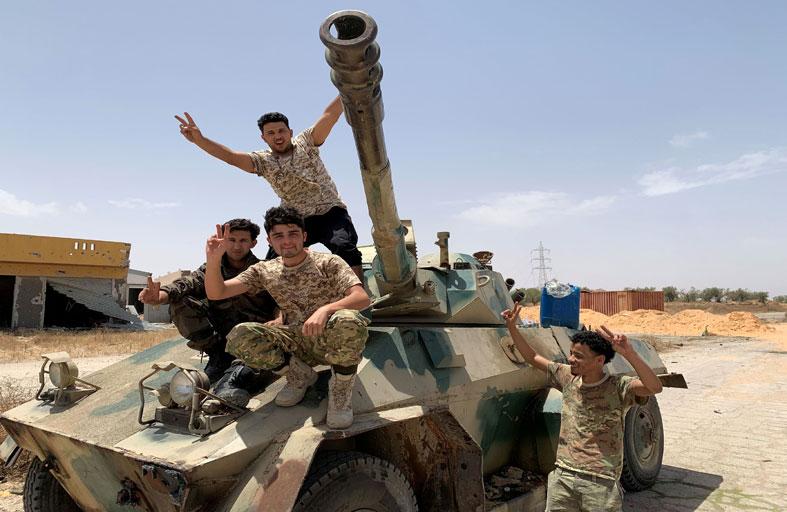 السراج يخطط لتشكيل «حرس وطني» من الميليشيات