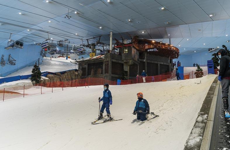 سكي دبي يفوز بجائزة أفضل منتجع تزلج داخلي في العالم