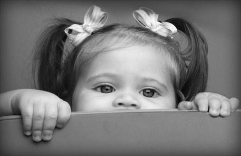 أسرة تقتل طفلة تبنتها للاتجار بأعضائها