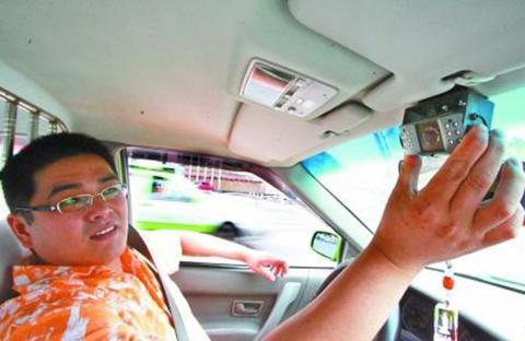 كاميرات في سيارات الأجرة