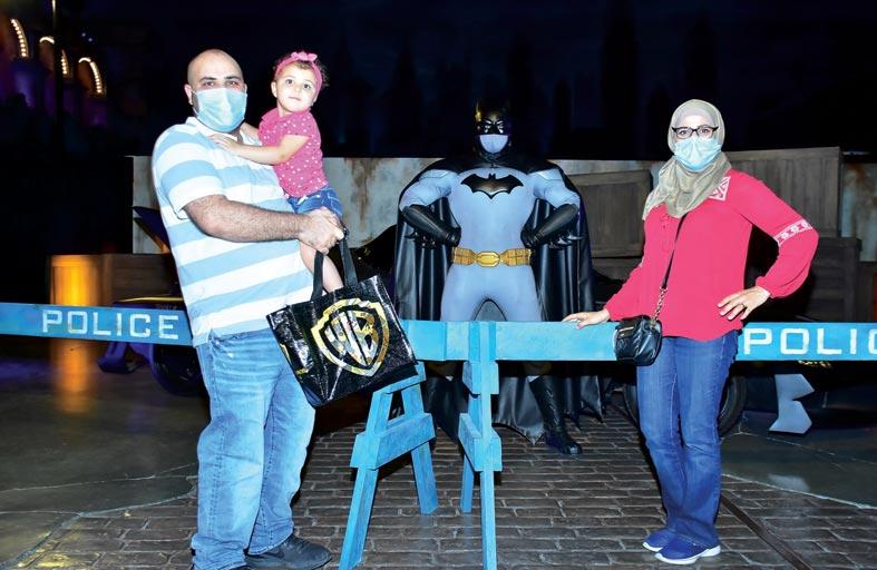 فارس الظلام يشارك محبيه الاحتفال بيوم باتمان في عالم وارنر براذرز أبوظبي
