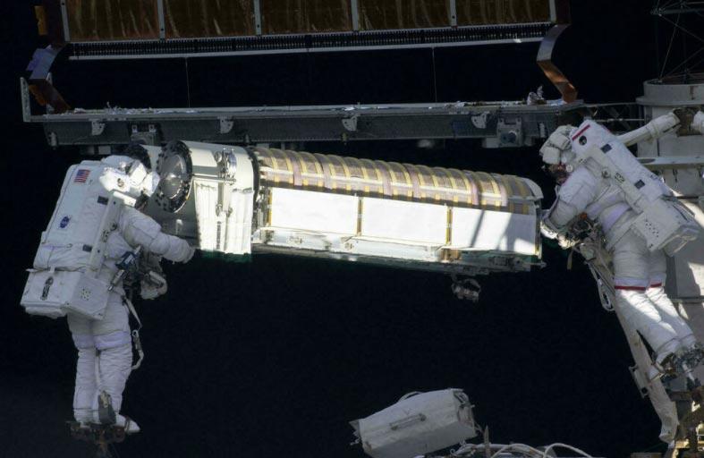 روسيا تطلق مهمة تموينية إلى محطة الفضاء
