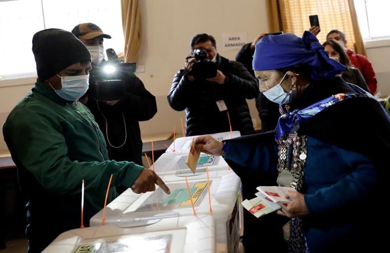 المستقلّون واليساريون يتصدّرون انتخابات تشيلي