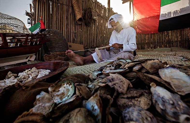 تحكيم مسابقة كلنا الإمارات الفوتوغرافية بيوم التراث العالمي