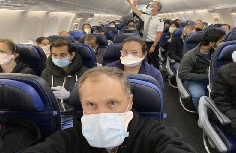 طبيب يفضح زيف المقعد الأوسط في طائرة