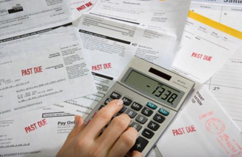غالبية الأمريكيين يفضلون الديون على الوزن الزائد