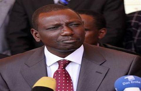 القادة الأفارقة يطلبون نقل محاكمة وروتو إلى كينيا