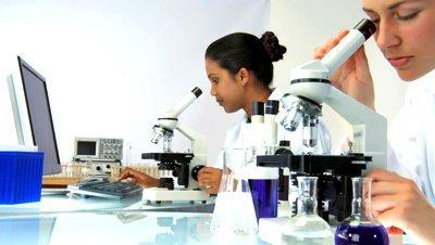 معالجة الأمراض بالميكروبات
