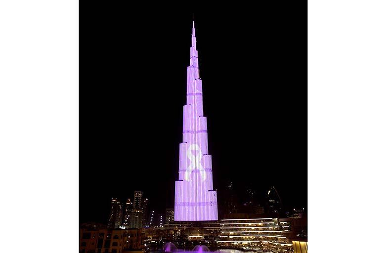 «برج خليفة» يتألق باللون الوردي لتعزيز الوعي بسرطان الثدي