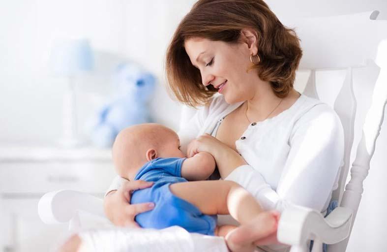 فوائد تناول الأمهات الأطعمة الحارة خلال الرضاعة