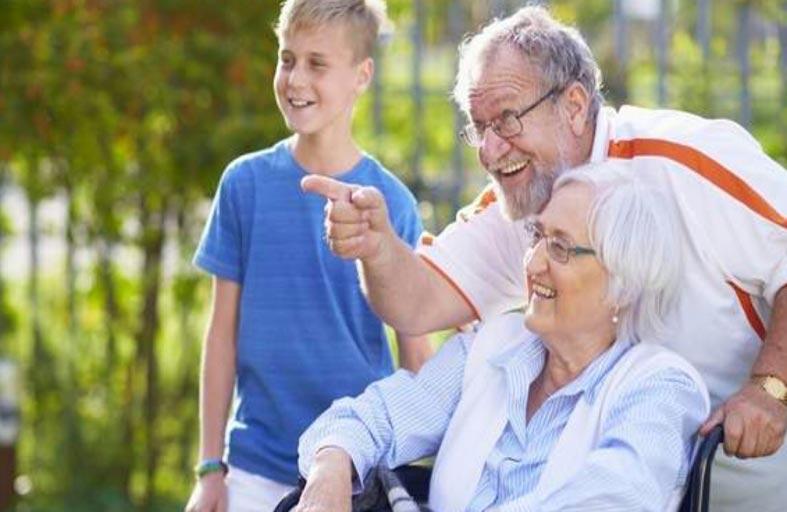 العمر أكبر عامل للأمراض