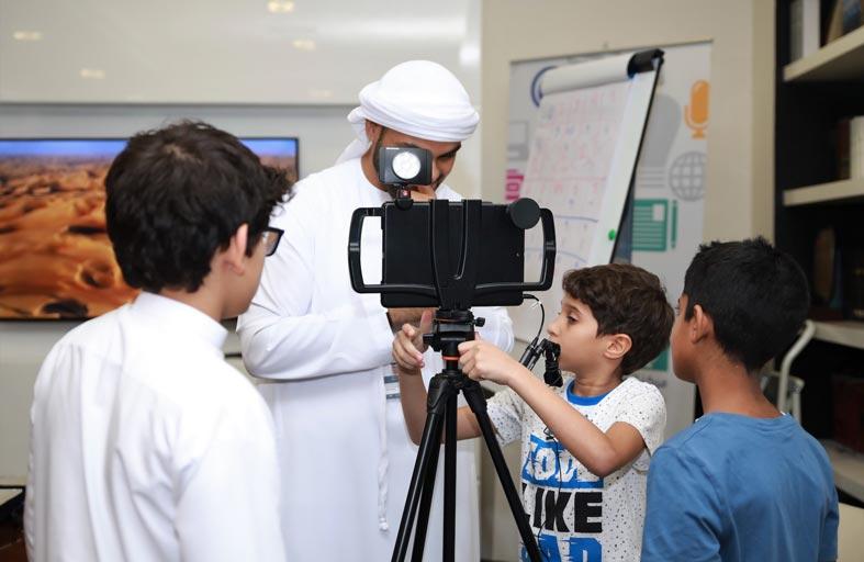 الشارقة للتدريب الإعلامي يعلن عن فتح باب التسجيل في برنامج إعلامي المستقبل