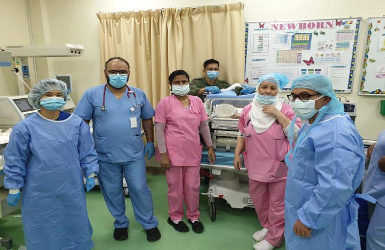 فريق طبي جوي  ينقذ توأم  حديثي الولادة في جزيرة دلما